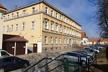 Budova v Tovačovského sadech, která už potřebuje opravy, Foto: Archiv školy
