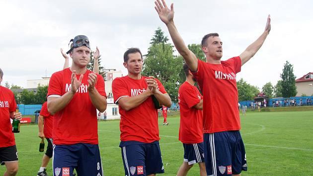 DALŠÍ POSUN. Fotbalový útočník Michal Dočekal (vpravo) bude na jaře oblékat dres druholigové Líšně.