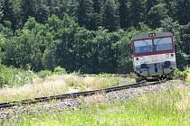 Provoz na trati zajistí společnost Railway Capital. Ta na dráhu nasadí osvědčený motorový vůz řady 810, se kterým jezdila v minulých letech do Jemnice o letních víkendech.