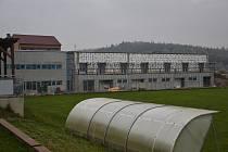 Víceúčelové sportovní zázemí v Rudíkově čeká na poslední detaily.