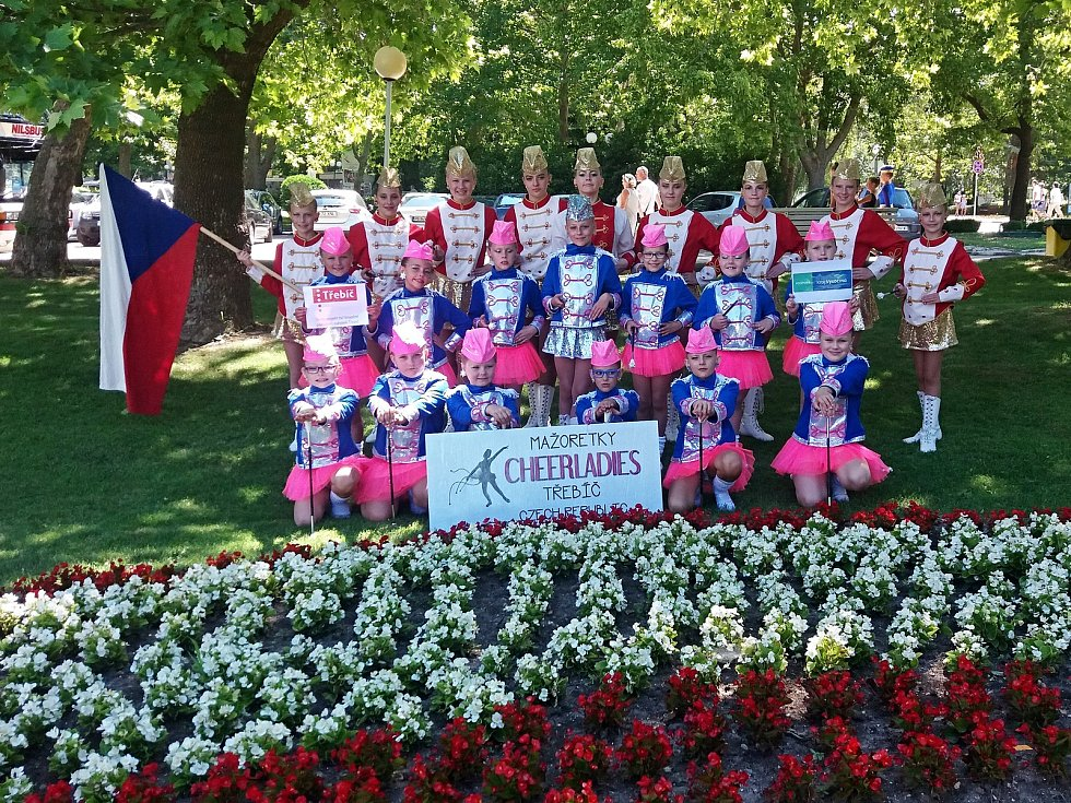 Obrovský úspěch zaznamenaly třebíčské mažoretky Cheerladies, když se jim podařilo získat medaile na Mistrovství Evropy (ME) v bulharské Albeně.