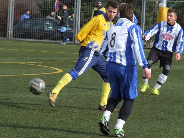 Bezbrankovou remízou skončil druhý přípravný zápas Vladislavi (ve žlutém), která se utkala se Zastávkou.