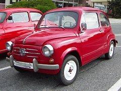 Červený Fiat 600 D z Třebíče.