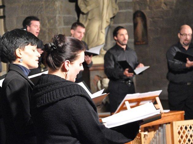 Takto se v bazilice svatého Prokopa pělo na Třebíčském operním festivalu v loňském roce. I letos připravili organizátoři zajímavý program.