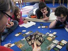 Den plný her ve Studentském klubu Katolického gymnázia v Třebíči Halahoj.