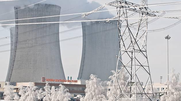 Řadou manipulací a úkonů, včetně přechodů do ostrovních režimů provozu jaderných bloků museli v pátek 8. ledna zvládnout operátoři jaderných elektráren Dukovany.