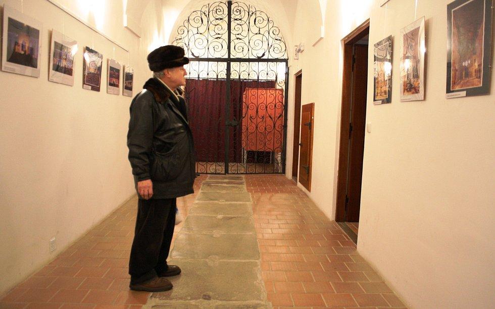 Výstava fotografií Zbyňka Hobzy.