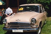 Volha GAZ-21 1963 na setkání klasických automobilů v třebíčském Poušově.