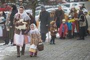 Průvod Tří králů na Masarykově náměstí v Náměšti nad Oslavou.