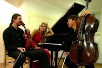 Art Trio Bohemia ve složení (zleva) Tomáš Vejvoda, Eva Šilarová a Vladan Kočí se vNáměšti postará o první vysočinské vystoupení v rámci festivalu Concentus Moraviae.