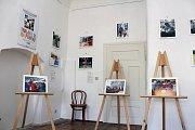 Výstava fotografií v tréninkové kavárně Splněný sen na státním zámku v Jaroměřicích nad Rokytnou.