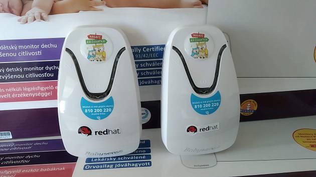 Novorozené děti v Třebíči bude hlídat 22 nových monitorů dechu