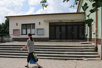 Sokolovna v Okříškách