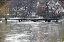 Rozkolísaný tok kvůli tajícímu sněhu má i řeka Rokytná.