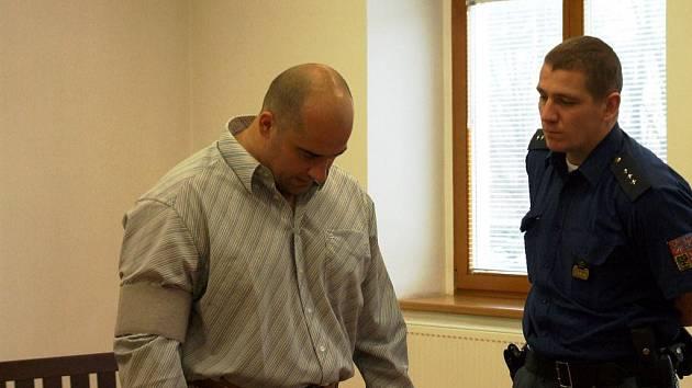 Soud Jiřímu Kropáčovi vyměřil šest let ve věznici s ostrahou. Žalobce, obhájce i odsouzený se vzdali odvolání a nevznesli stížnost.