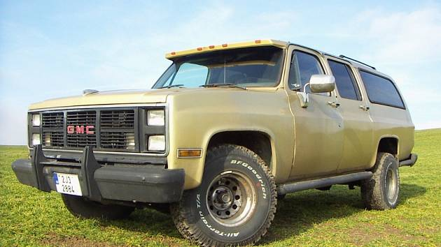"Suburban GMC zvaný ""texaská limuzína""."