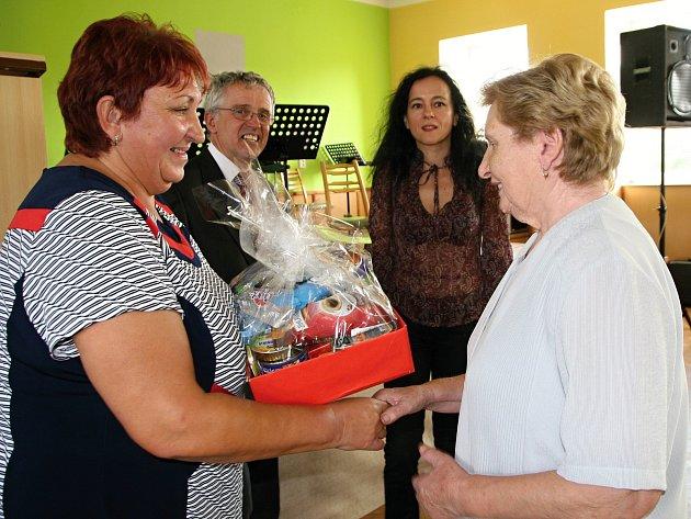 Obec Pálovice pozvala seniory z okolí na první společné setkání