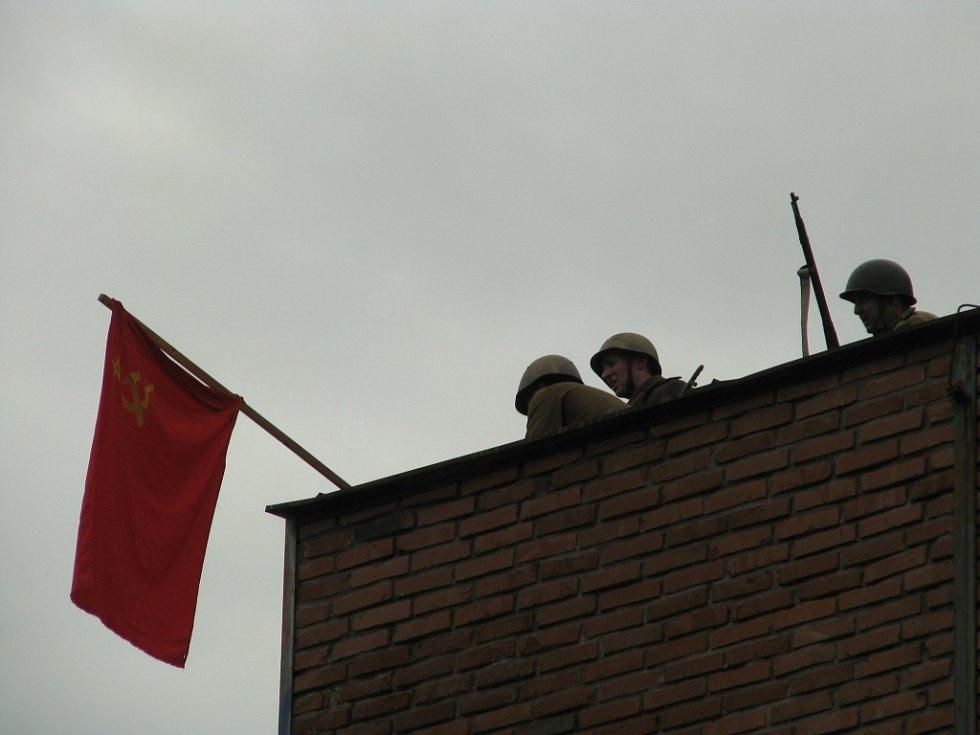 Již třetí ročník akce k oslavě osvobození od fašismu v květnu 1945 se tentokrát konal v sobotu v areálu bývalé továrny BOPO, v prostoru kolem staré kotelny.