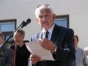 Autor knihy o Janu Bulovi a Václavu Drbolovi A přece budu blízko Miroslav Kasáček.