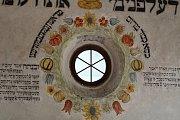 Vernisáž výstavy obrazů Rut Kohnové v Zadní synagoze.