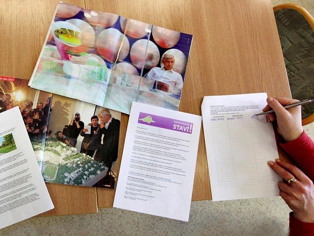 V Třebíči se podepisuje petice na podporu Kaplického knihovny.