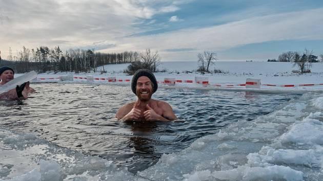 Lední medvědi plavali na Markovce: Podívejte se