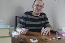 Na Třebíčsku žije chemik a nadšený sběratel minerálů Miloš Večeřa.