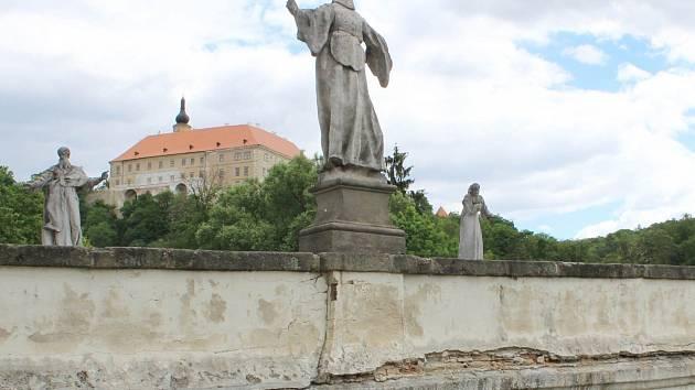 Malý moravský Karlův most zbaví devastujících následků opravy