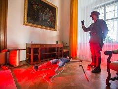 Netradiční prohlídky zámku v Náměšti nad Oslavou s detektivním příběhem z doby první republiky Případ vdovy.