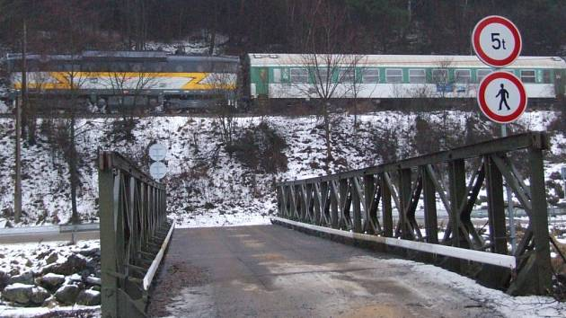Provizorní most v Čichově
