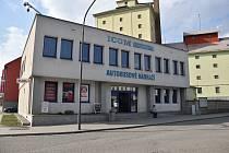 Výpravní hala na autobusovém nádraží v Moravských Budějovicích