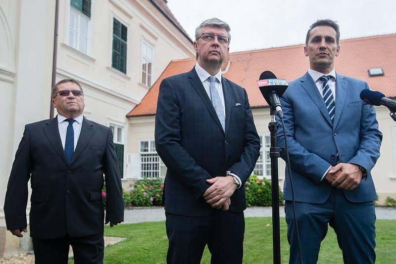 Tisková konference vicepremiéra Karla Havlíčka k dostavbě Jaderné elektrárny Dukovany na zámku v Dukovanech, 27. 8. 2020.