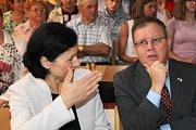 Eurokomisařka Věra Jourová a izraelský velvyslanec Daniel Meron.