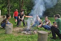 Svatojánská slavnost u řeky v Třebíči