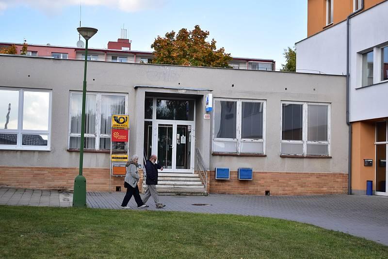 Pobočce České pošty na Modřínové ulici v Třebíči už se nelítostně krátí čas.