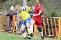Fotbalisté Vladislavi v 10. kole I. B třídy proti Jakubovu (v tmavém) sehráli utkání, ve kterém se střídali šance na obou stranách. Byli to však Jakubovští, kdo je dokázal využít.