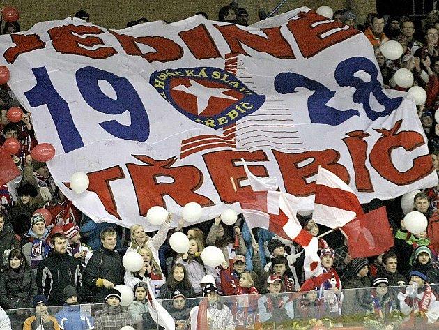 Hokejisté Třebíče v regionálním souboji zvítězili nad Jihlavou 3:1.