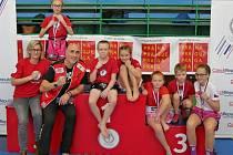 Mladí bojovníci třebíčského oddílu Thaibox Devils na soutěži Kids Muaythai Challenge v Praze.