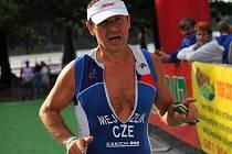 Třebíčský triatlonista Petr Mejzlík skončil na sedmém závodu Světového poháru v kvadriatlonu v polském Wolstynu těsně pod stupni vítězů.