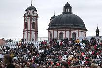 Závěrečný koncert Mezinárodního hudebního festivalu Petra Dvorského se uskuteční tuto sobotu ve 20.30 hodin v zámeckém parku v Jaroměřicích nad Rokytnou.