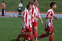 Jen důvod k radosti měli oba dorostenecké výběry HFK Třebíč po svém úvodním vystoupení v divizi D. Starší otočili zápas s Bohunicemi a vyhráli 4:2, mladší Brňany rozstříleli 8:2.