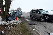 U Lovčovic se v pátek 24. ledna 2020 srazila dvě auta.