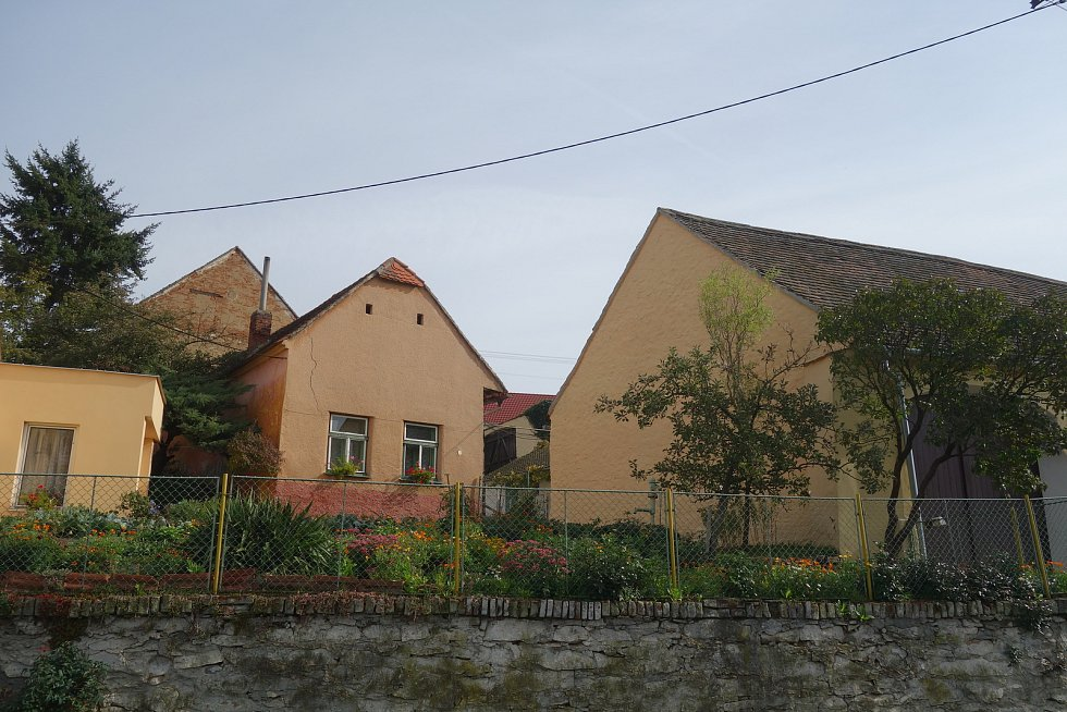 Příštpo leží stranou frekventovaných tras ve výspě Třebíčska i Kraje Vysočina.