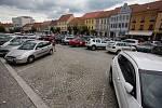 Jak budou postupovat práce na přeměně Karlova náměstí v Třebíči, řidiči narazí na řadu dopravních komplikací.