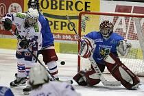 Hokejoví dorostenci Horácké Slavie v rámci 11. kola první dorostenceké ligy dokázali proti svým vstrevníkům z Karviné otočit nepříznivý vývoj, kdy po první třetině prohrávali 1:3, a zvítězit 6:3.