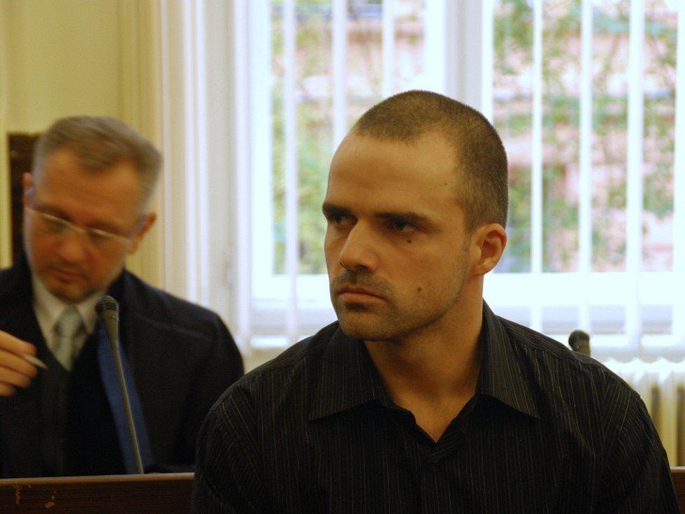 Marek Teplý byl znám díky svým vulgárním a násilnickým textům.