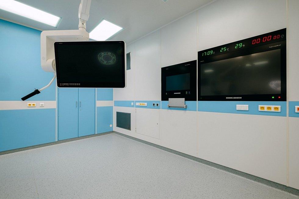 Čtyři nové operační sály začaly fungovat ve zkušebním provozu.