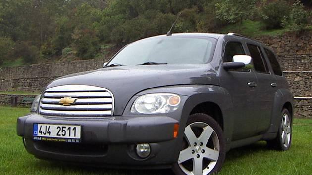 Chevrolet HHR o obsahu 2.4 litru z roku 2009.
