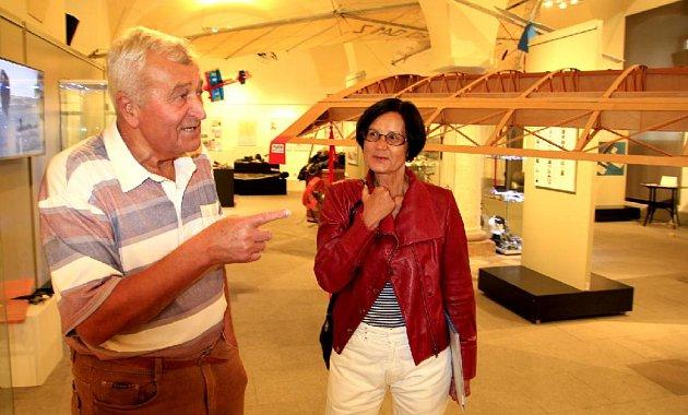 """3. Letectví vlastně neopustila ani teď, protože Jan Kratochvil, ředitel Muzea exilu vBrně, chystá podklady kvýstavě o311. peruti, která začne 1.října 2020vBrně. Vyjde kní ve spolupráci skrálovskou RAF tisícistránková doprovodná publikace. """"Dává do"""