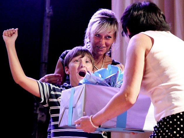Koncert proti lhostejnosti pomohl znevýhodněným hochům.